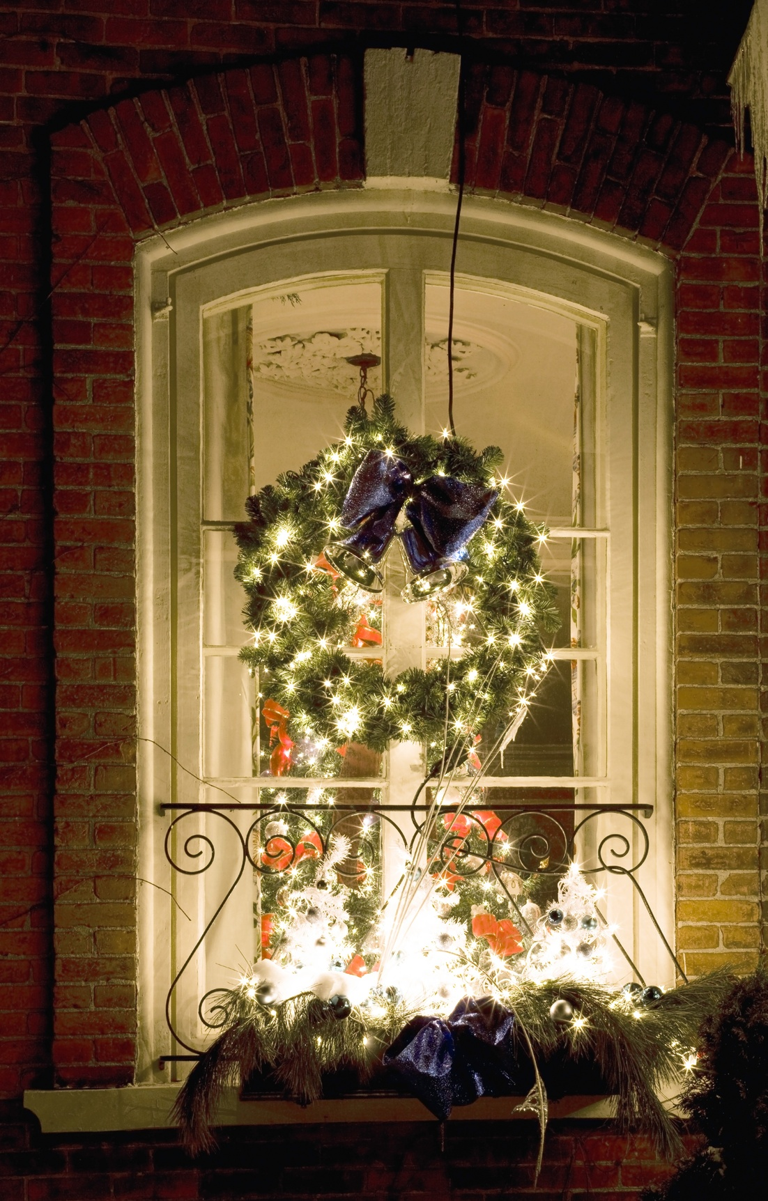 Christmas Decorations On Window : Utah window and door replacement advantage